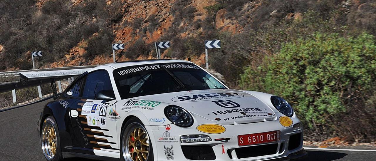 Ivan Armas, virtual campeón del Provincial de Montaña y favorito en Moya, rodando con su Porsche 911 GT3.