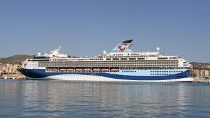 """Die ehemalige """"Mein Schiff 1"""" besucht Mallorca erstmals als """"Marella Explorer"""""""