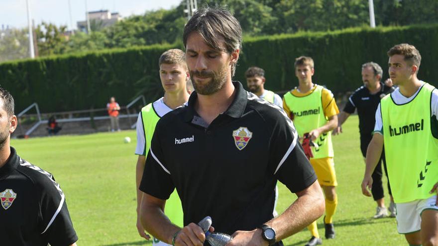 Pelegrín deja a petición propia el Ilicitano frustrado por llevar once partidos sin ganar