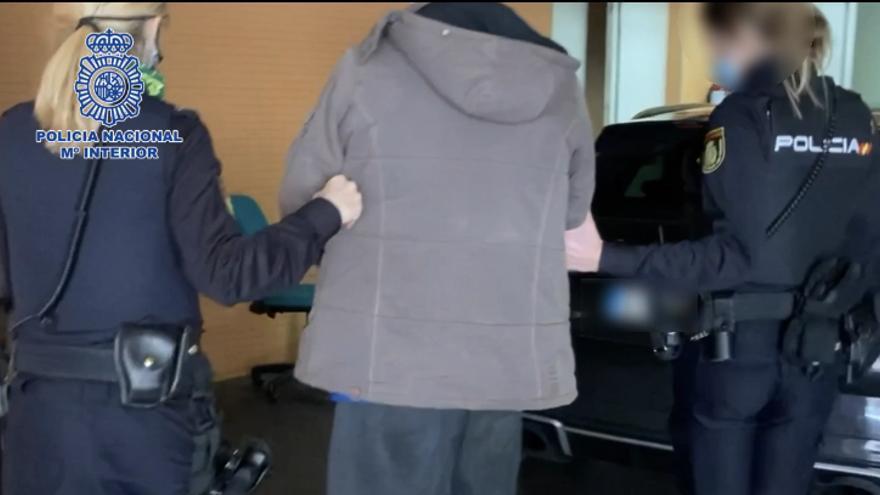 Detenido el autor de numerosos robos en interior de vehículos en el barrio de Los Ángeles