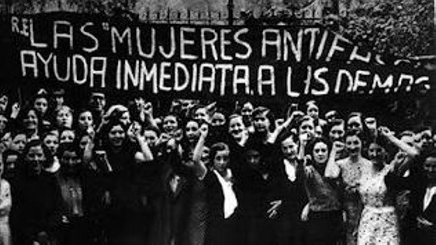 Manuela Ortiz fue la fundadora de la Asociación de Mujeres Antifascistas de Gestalgar. En la imagen, compañeras de la plataforma a mediados del siglo XX.