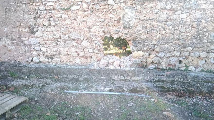 Destrozan una parte del muro del Monasterio de la Valldigna