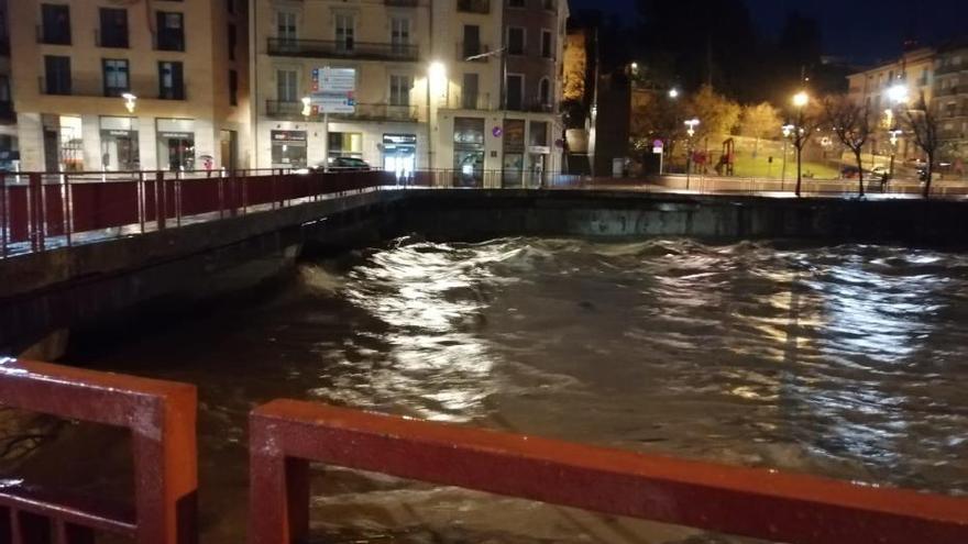 Girona activa la situació d'emergència pel risc de desbordament de l'Onyar