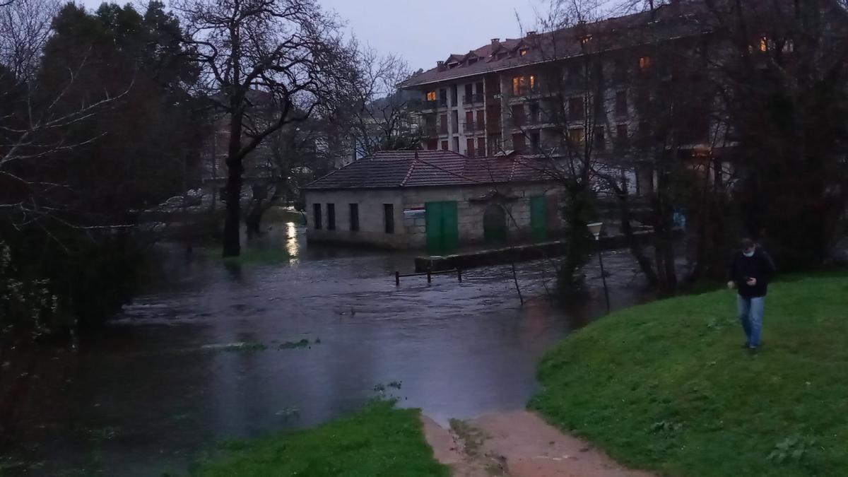 La localidad, anegada por el agua.