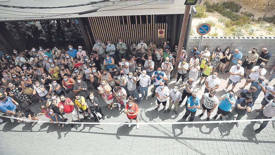 Un centenar de vecinos arropa a la nueva regidora en su proclamación