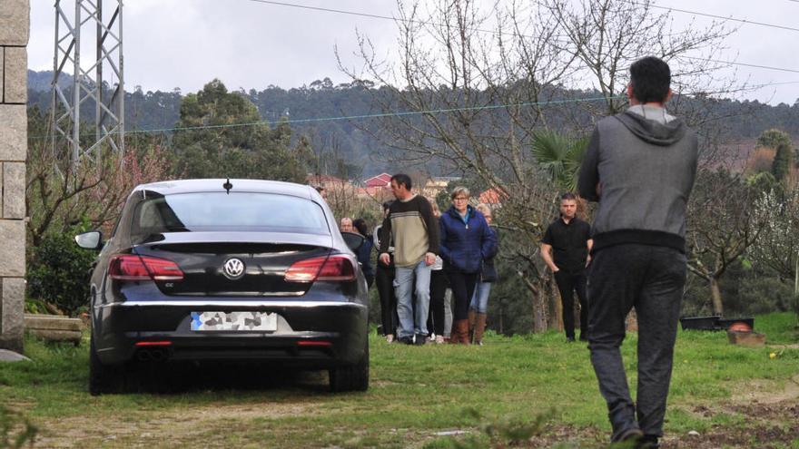 Crimen machista en Valga: mata de un disparo  a su mujer y se suicida
