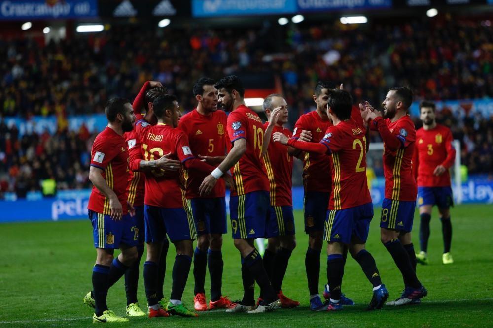 El partido entre España e Israel en El Molinón, en imágenes