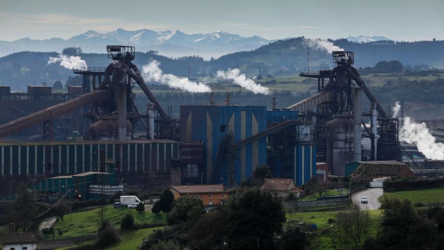 Asturias afronta un mes decisivo, con grandes cambios en sectores cruciales