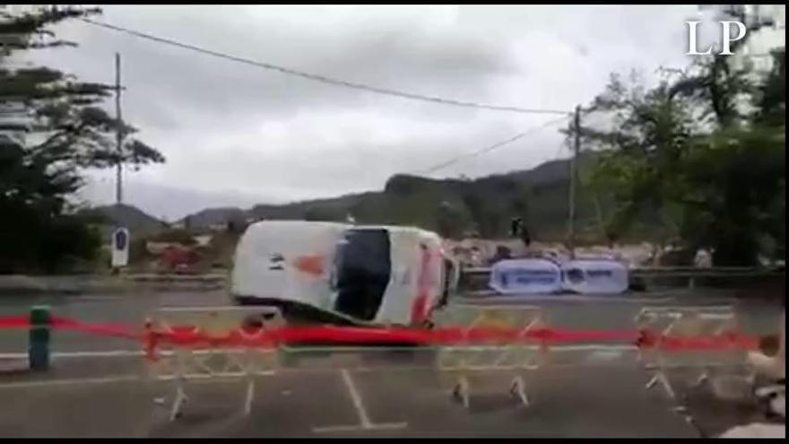 Vuelco y pericia en el tramo de Tejeda del Rally Islas Canarias