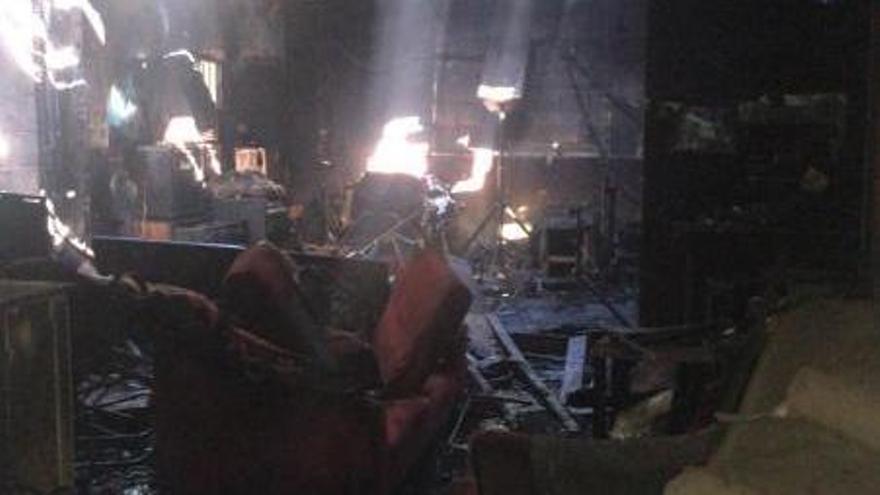 Un incendio provocado en un local de ensayo de A Coruña deja sin material a cinco grupos