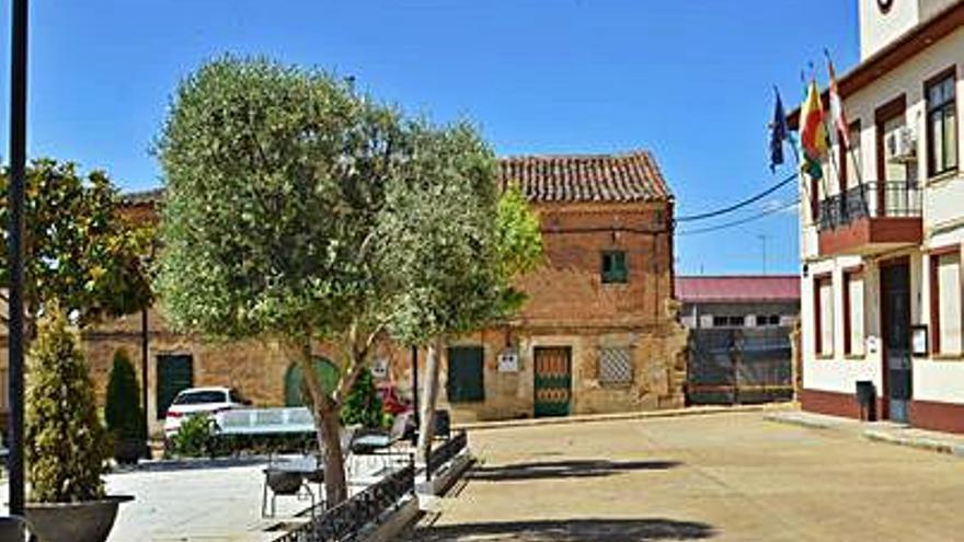 Fuentes de Ropel remodelará las plazas de Alfonso XIII y de la Iglesia