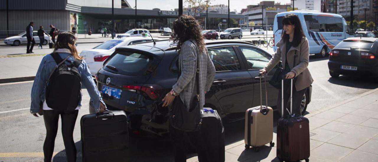 La Justicia despeja el camino para la hora de espera que València quiere imponer a Cabify