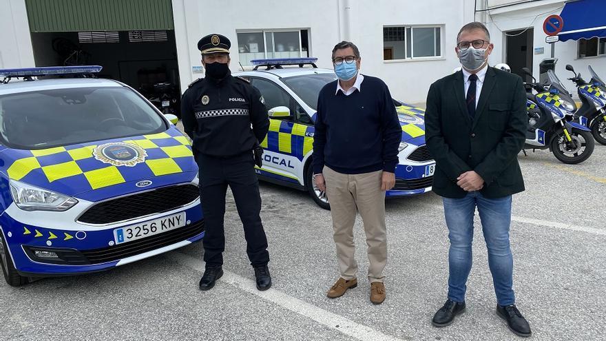 Los coches de la Policía Local de Vélez-Málaga son ahora más llamativos