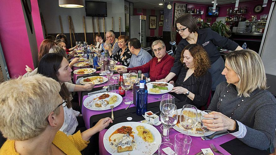 Sanidad permitirá reuniones con diez familiares en los días festivos de Navidad