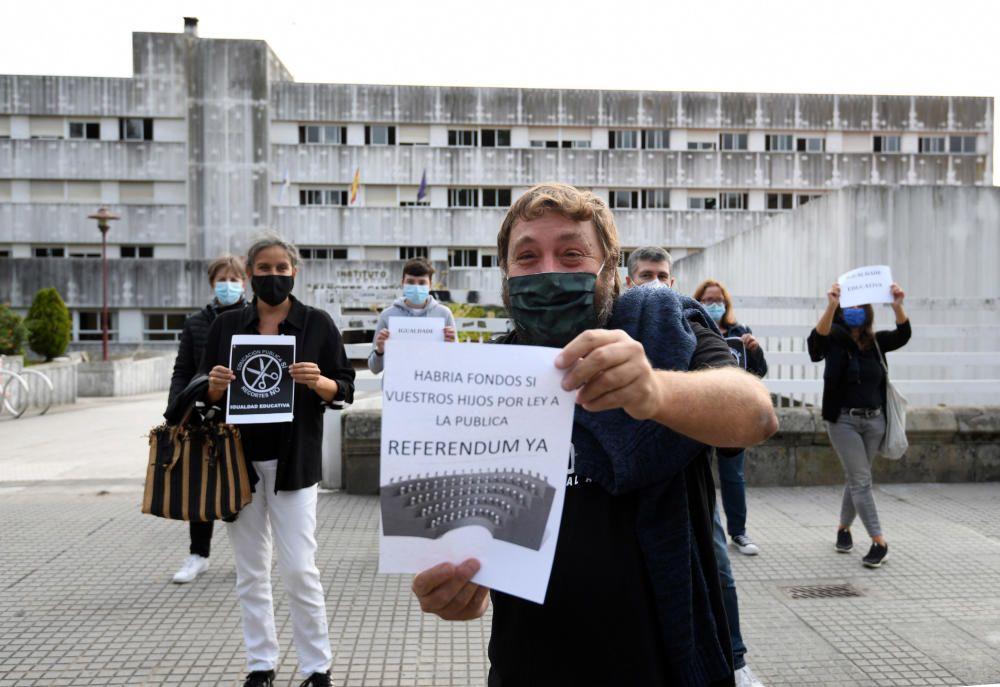 Los IES Sánchez Cantón y Valle Inclán, en pie de guerra por la educación presencial