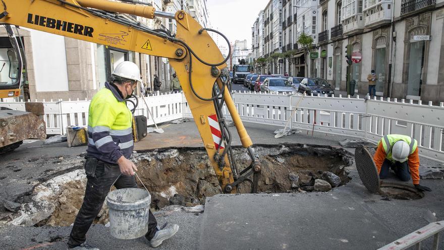 Restos de la muralla defensiva de A Coruña salen a la luz con las obras en la calle Fontán