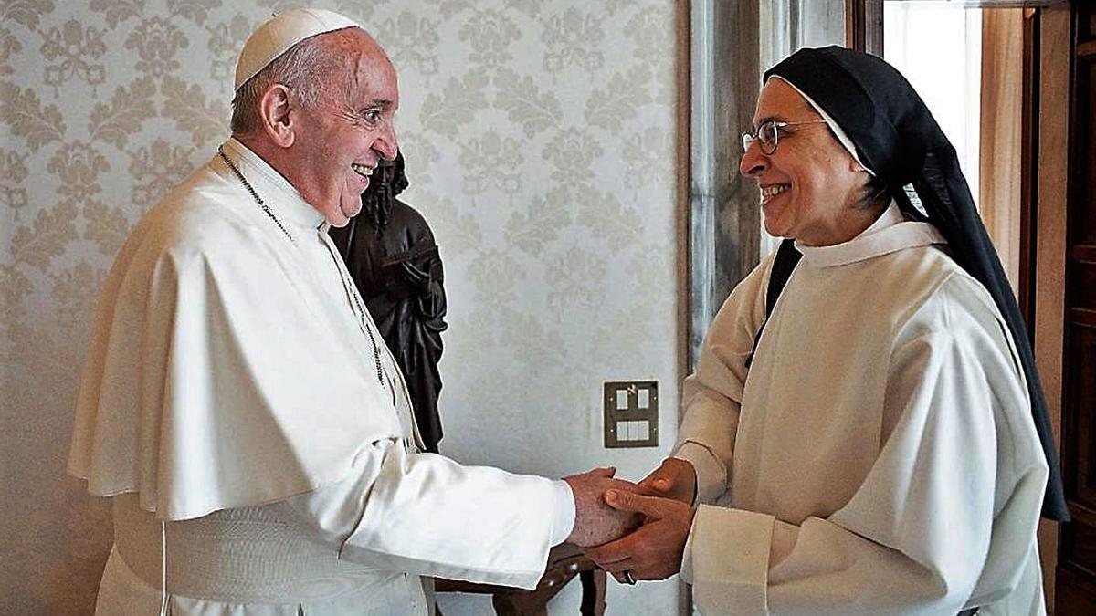 El papa Francesc amb sor Lucía Caram en la trobada que van mantenir el 24 de juny  | ARXIU PARTICULAR
