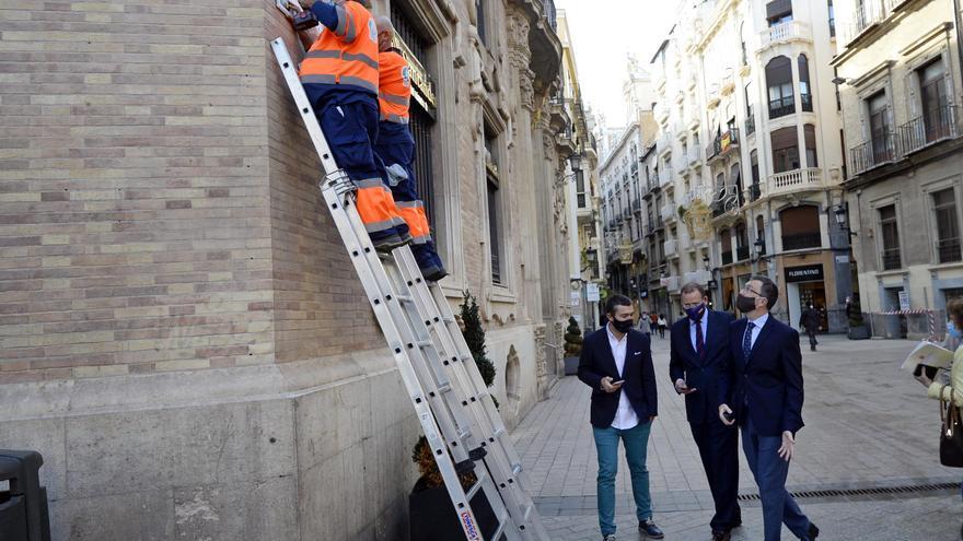El Ayuntamiento de Murcia retirará las placas colocadas en monumentos y bienes protegidos