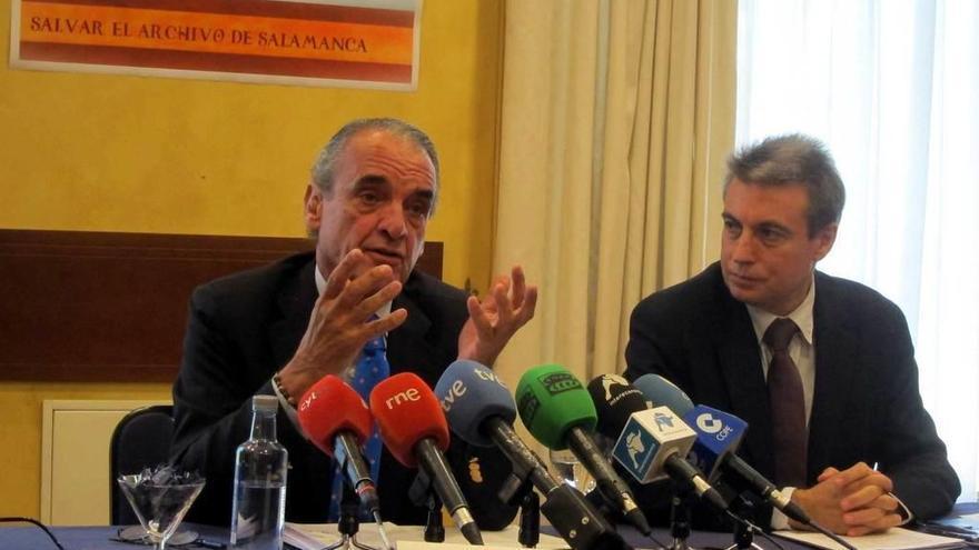 Mario Conde exige la vuelta de los fondos asturianos al Archivo de Salamanca