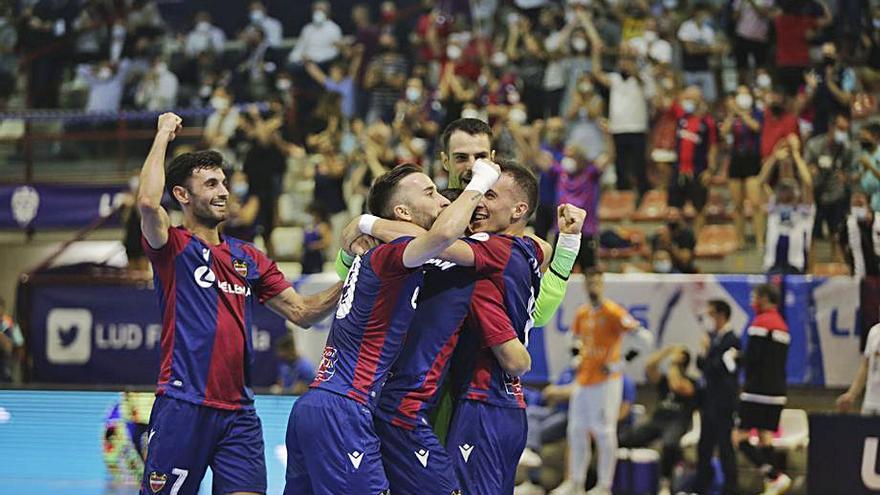 El Levante UD FS busca en casa sus primeros puntos