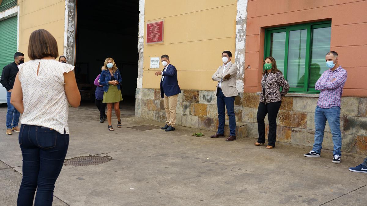 La visita de Pedro Martín, Javier Parrilla y María José Belda a la Cooperativa Garañaña