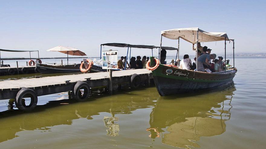 L'Albufera reducirá la contaminación y el ruido con 68 barcas eléctricas
