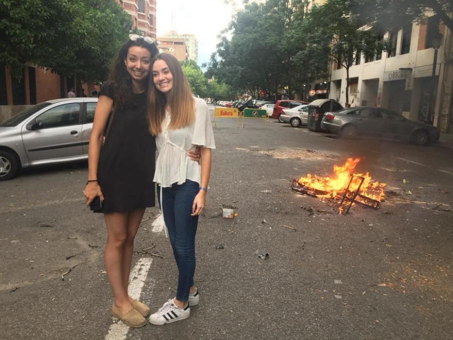 Con Laura Carballeda, en la fiesta de San Juan de 2018. Se estaba consumando el relevo.