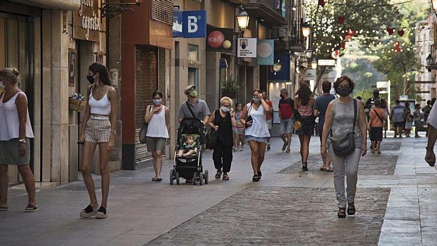 La pandèmia no modifica el nombre de botigues tancades durant l'agost a Manresa