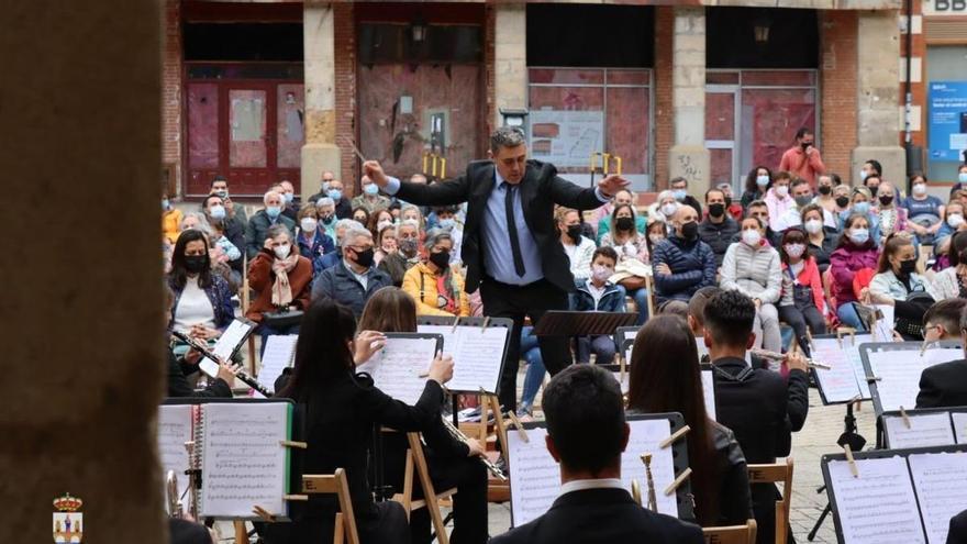 La Banda Maestro Lupi ofrece un concierto por el Día de la Música