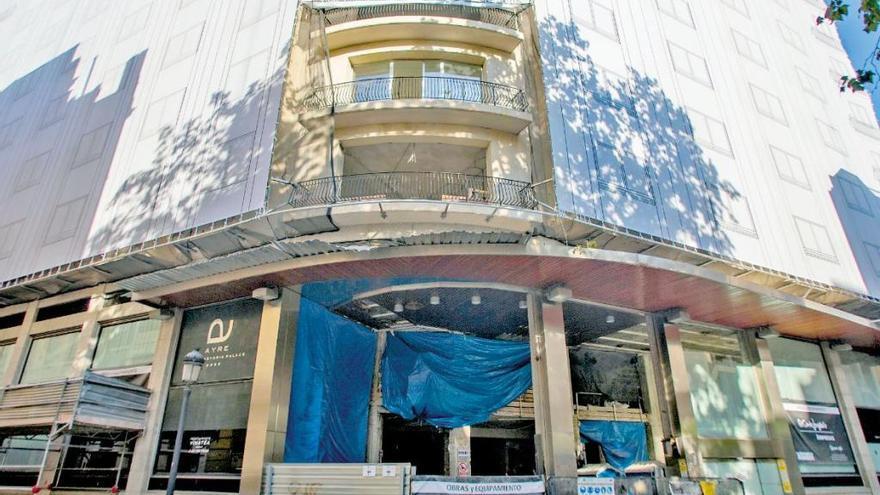 El ayuntamiento paraliza la reforma del histórico hotel Astoria Palace