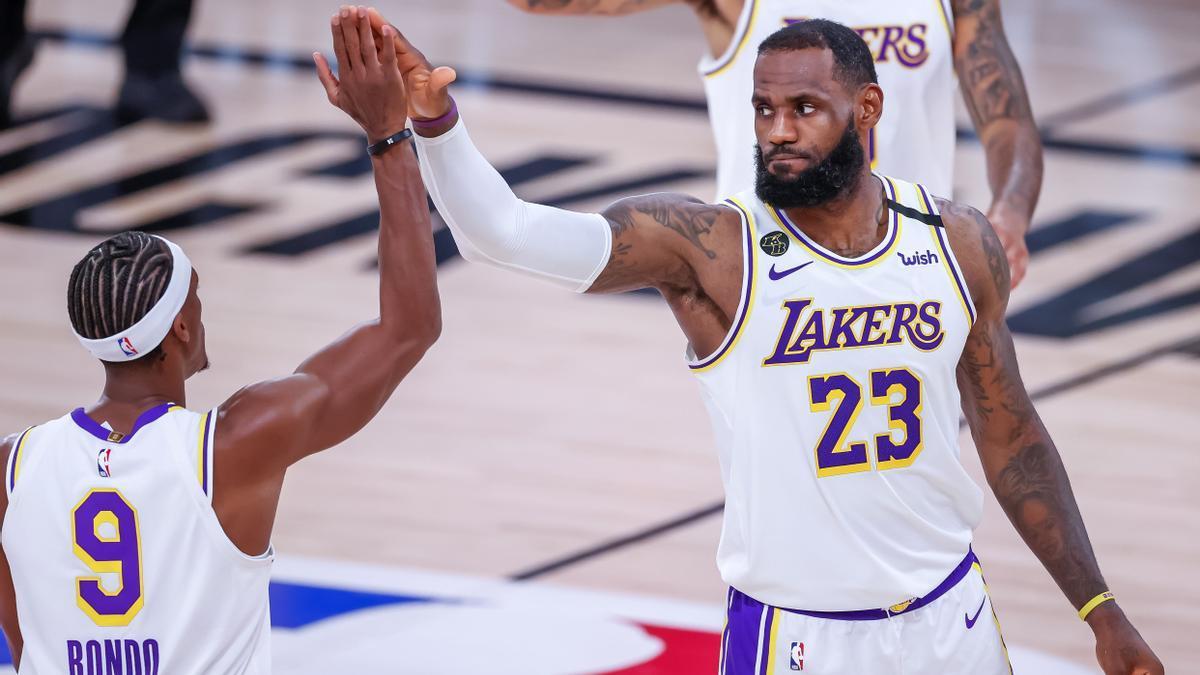 Un partido de baloncesto de la NBA.