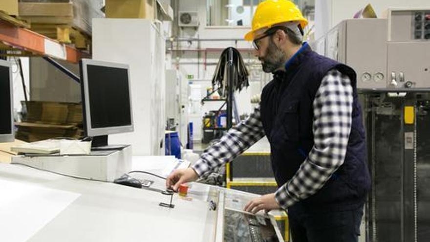 Las empresas de Castellón demandan soldadores, fresadores y torneros