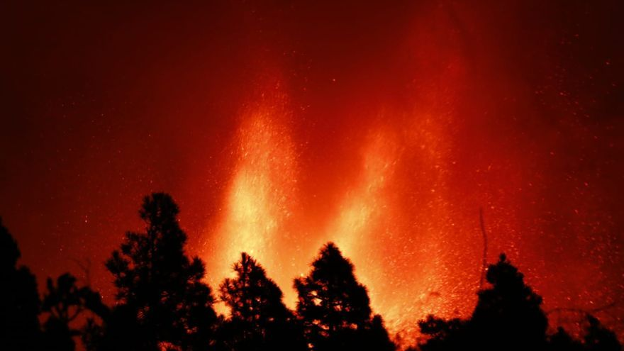 Erupción volcánica: Imparable avance de la lava hacia el mar