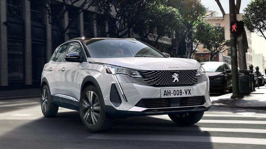 El nuevo Peugeot 3008 llegará a final de año con dos híbridos enchufables