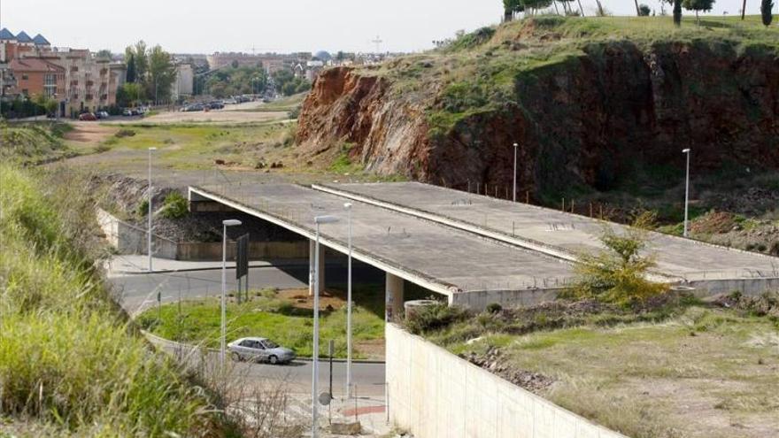 """La ronda Norte de Córdoba y la autovía del olivar, a la espera de la """"reformulación"""" de los proyectos"""