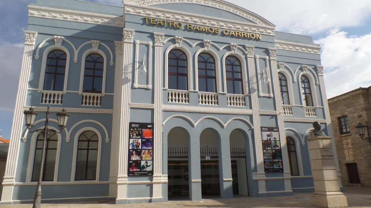 Fachada del teatro Ramos Carrión de Zamora.
