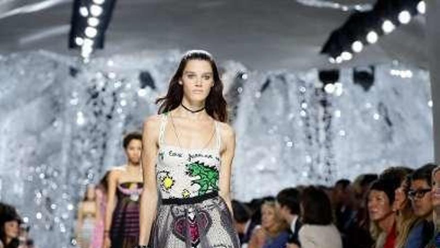 La era feminista de Dior avanza con Maria Grazia Chiuri en la Semana de la Moda de París