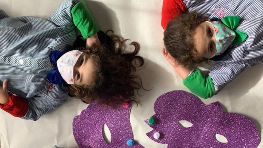 Los alumnos del colegio Virxe da Milagrosa de Bueu no pierden la ilusión por el Entroido