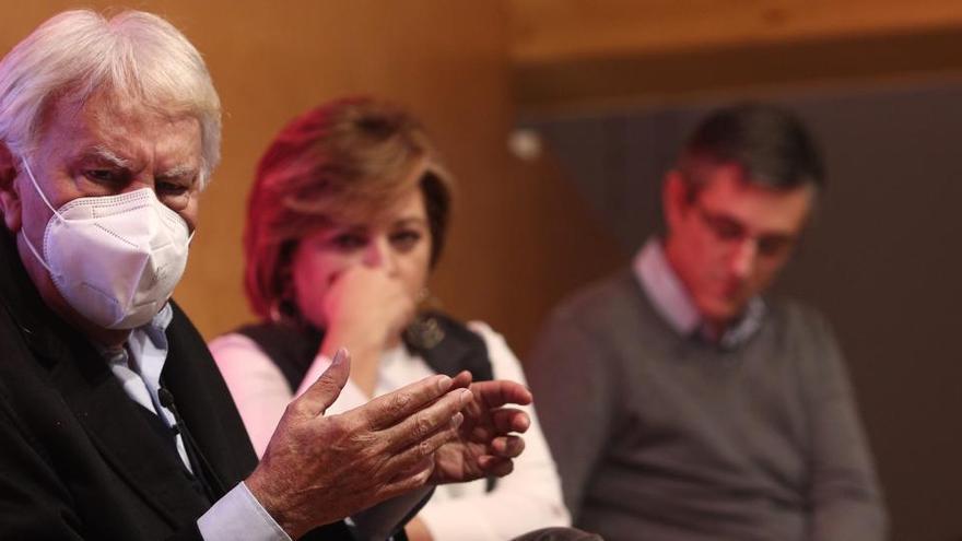 Felipe González critica duramente la comparación de Iglesias entre los exiliados y Puigdemont