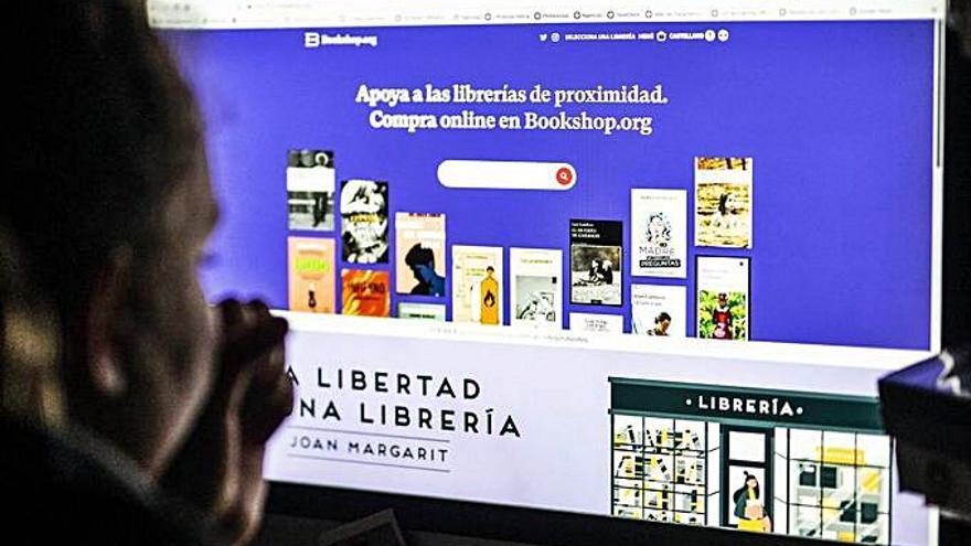 'La Panderola' se sumerge en las librerías 'on line'