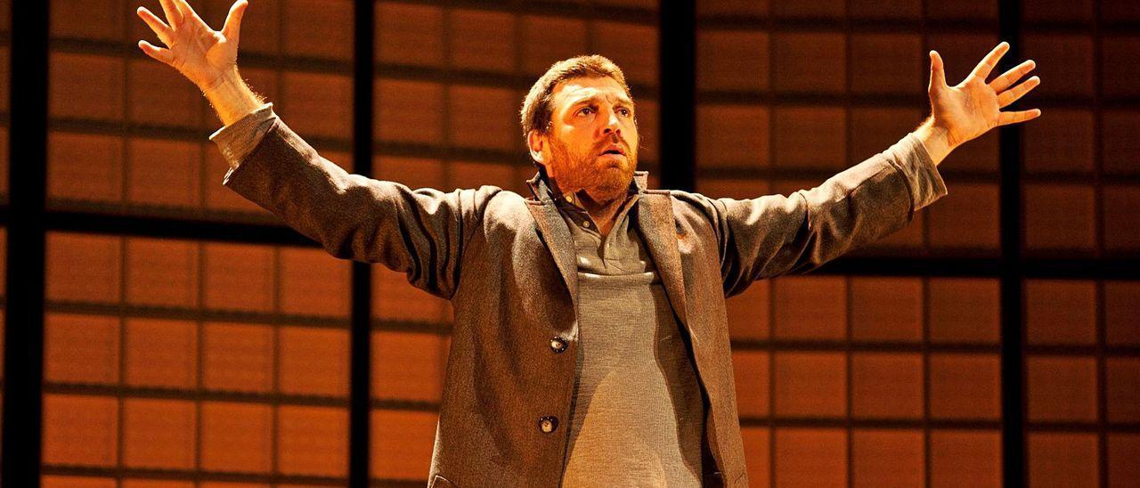 El actor durante una de las escenas de «Un obús en el corazón», pieza que se representa esta semana en la Sala Off.