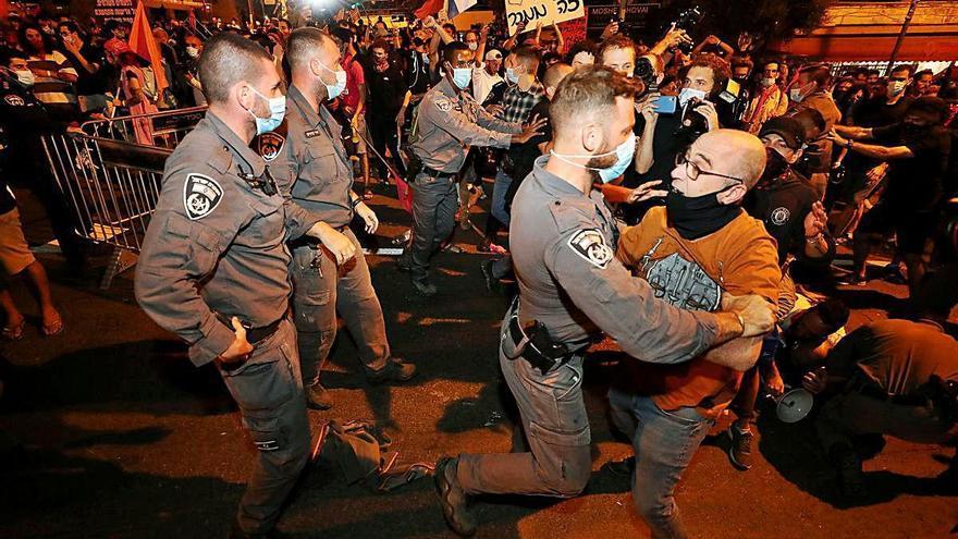 Multitudinàries protestes contra Netanyahu a Israel