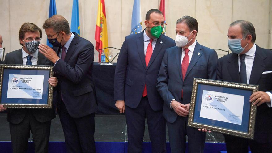 Pablo Junceda, insignia de oro de la Asociación Día de Galicia en Asturias