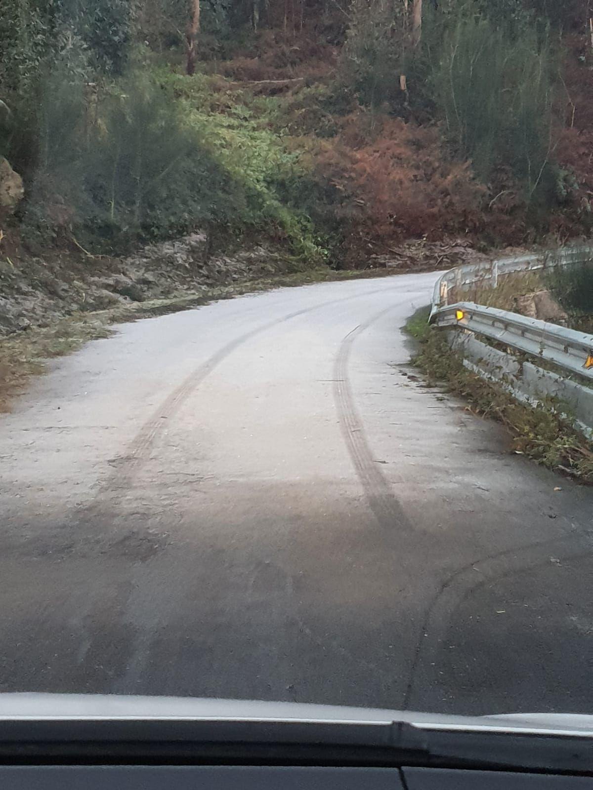 Carretera congelada en Valladares