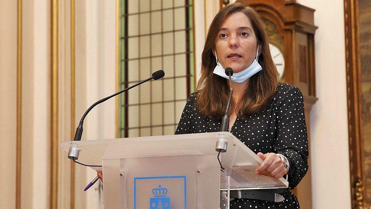 La alcaldesa, Inés Rey, durante su comparecencia de ayer.