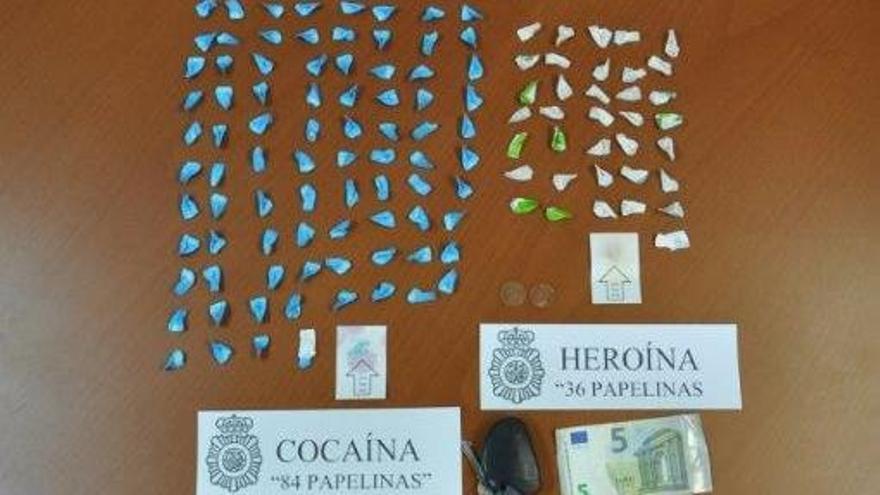 Detenido de nuevo por tráfico de drogas un vecino de Ribeira con papelinas de cocaína y de heroína