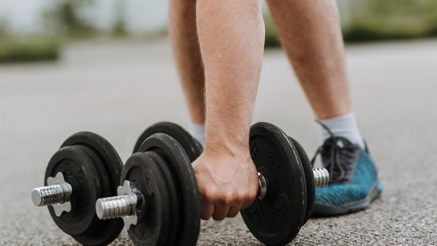 El sencillo ejercicio con el que quemarás grasa y conseguirás un vientre plano y tonificado