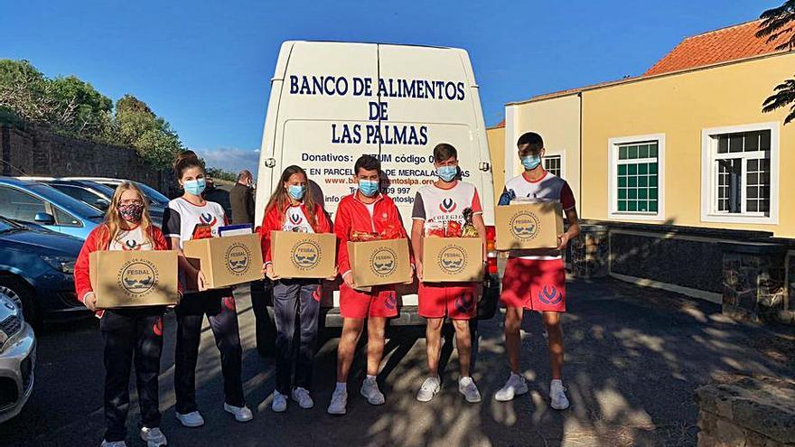 El Colegio Arenas Atlántico recoge productos navideños para las familias más vulnerables