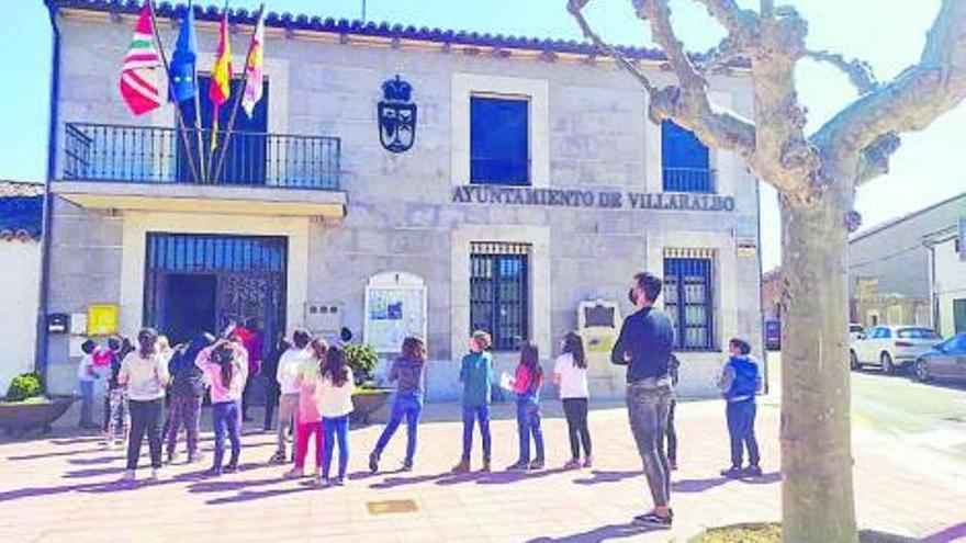 Los alumnos del colegio de Villaralbo transmiten sus peticiones al alcalde