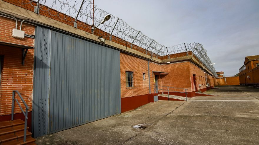 Se tragó seis bellotas de hachís para venderlas en la cárcel